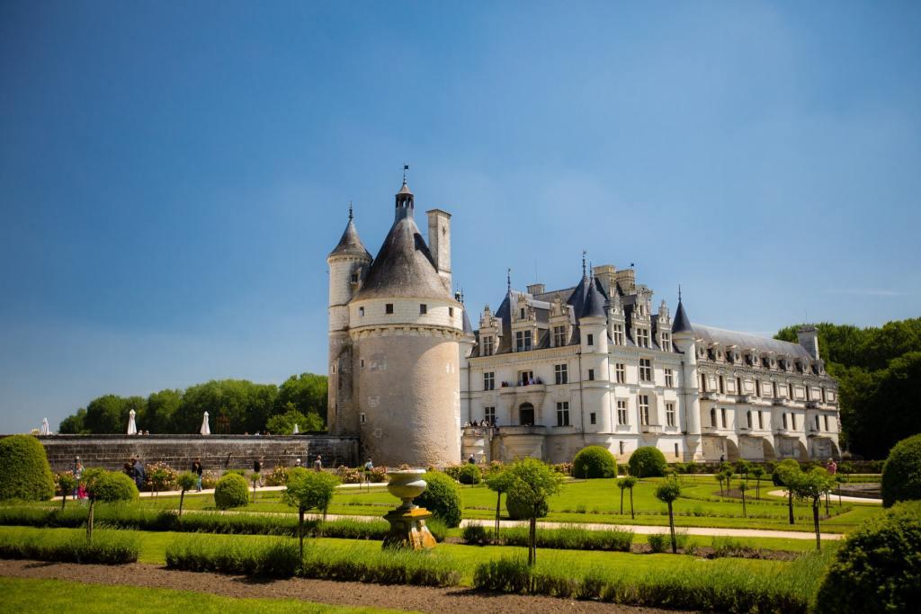 châteaux de la loire france