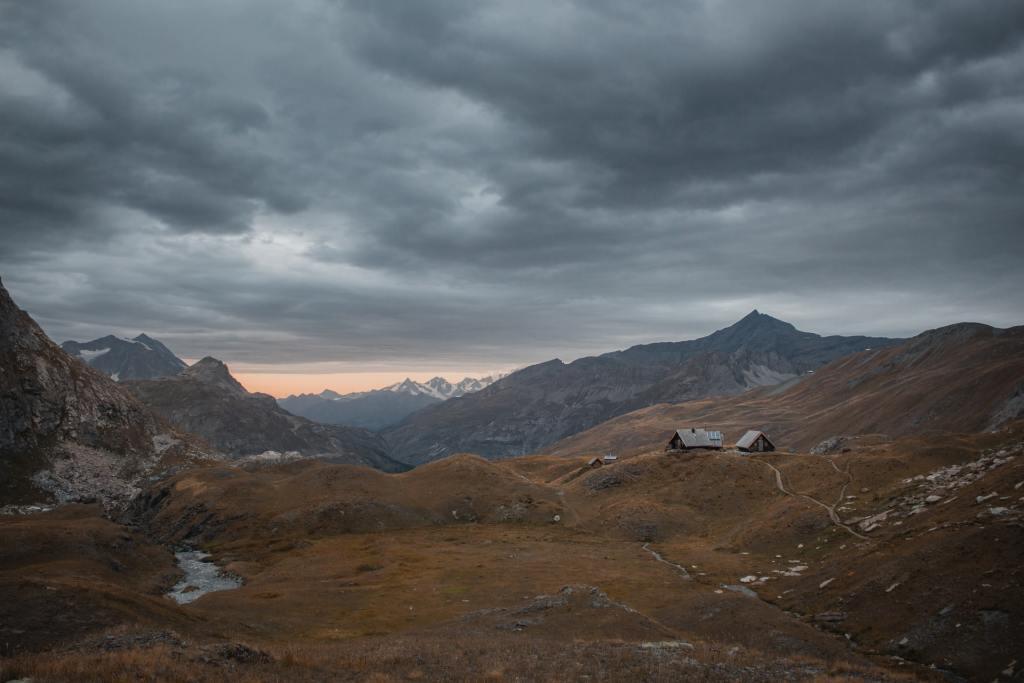 trek tour des bauges savoie randonnée france